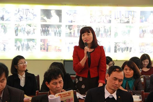 PGS.TS. Nguyễn Thị Hồng Hải - Trưởng Khoa Tổ chức và Quản lý nhân sự phát biểu tại Hội nghị