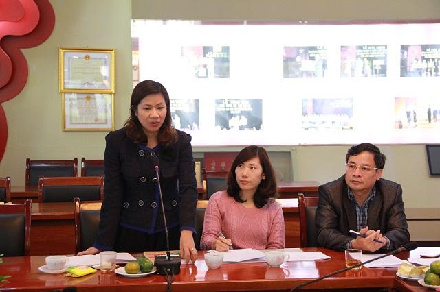 PGS.TS. Nguyễn Thị Thu Vân - Trưởng Khoa Văn bản và Công nghệ hành chính phát biểu tại Hội nghị