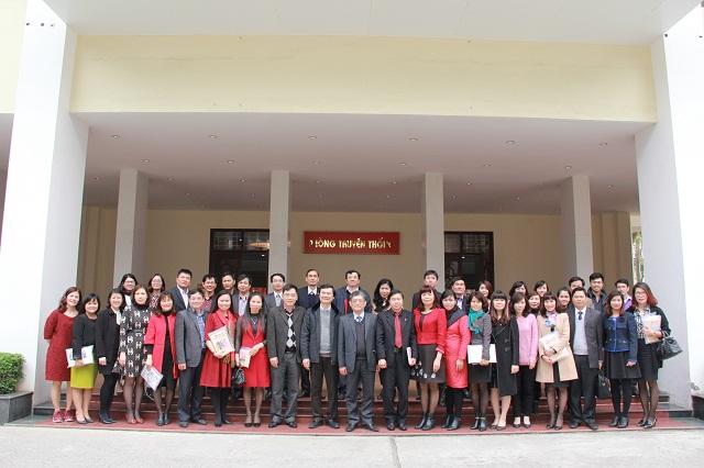 Các đại biểu tham dự Hội nghị Cộng tác viên Tạp chí QLNN năm 2016