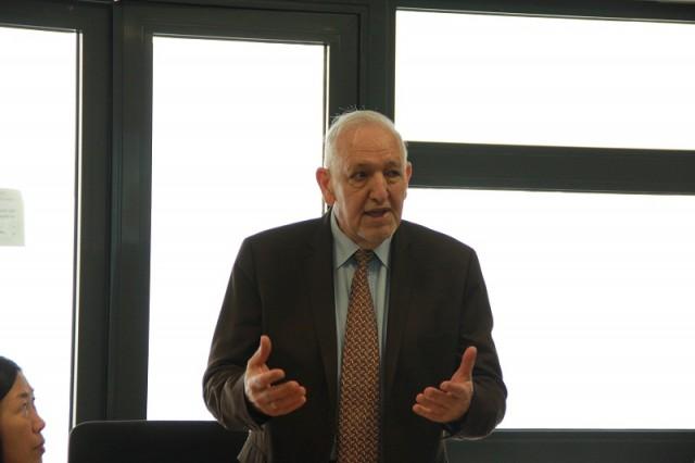 Ông Olivier Laurens-Bernard - Cố vấn cao cấp về đào tạo của CHEMI phát biểu tại buổi khai giảng khóa tập huấn