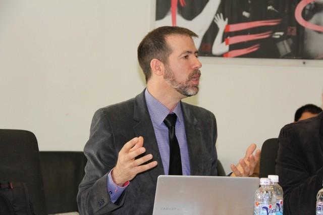 Ông Marc Durieux - Trưởng phòng Công nghệ thông tin của CHEMI trình bày tại buổi tập huấn