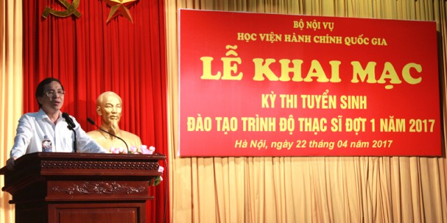 NGƯT.PGS.TS. Triệu Văn Cường - Thứ trưởng Bộ Nội vụ, Phụ trách điều hành Học viện phát biểu khai mạc kỳ thi