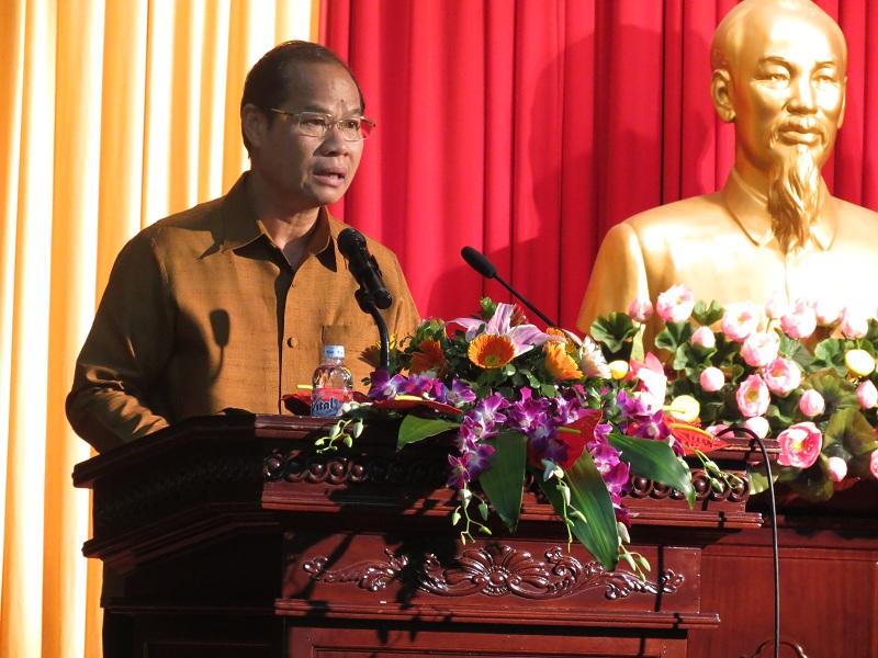 Công sứ Đại sứ quán Lào tại Việt Nam Phom-ma Sit-sẹ-na phát biểu tại buổi lễ