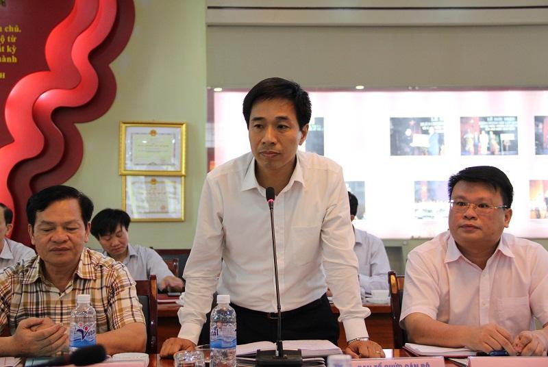 ThS. Nguyễn Tiến Hiệp - Phó Trưởng ban phụ trách Ban Tổ chức - Cán bộ báo cáo về một số nội dung của công tác tổ chức - cán bộ