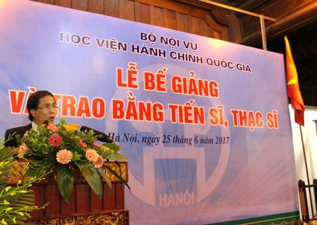 NGƯT.PGS.TS. Triệu Văn Cường - Thứ trưởng Bộ Nội vụ, Phụ trách điều hành Học viện phát biểu tại buổi lễ