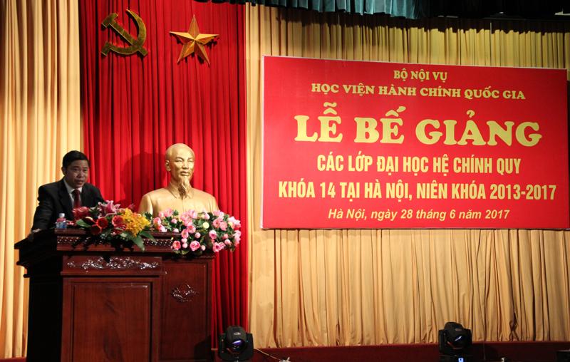 PGS.TS. Nguyễn Văn Hậu – Trưởng Ban đào tạo Báo cáo tổng kết toàn khóa học