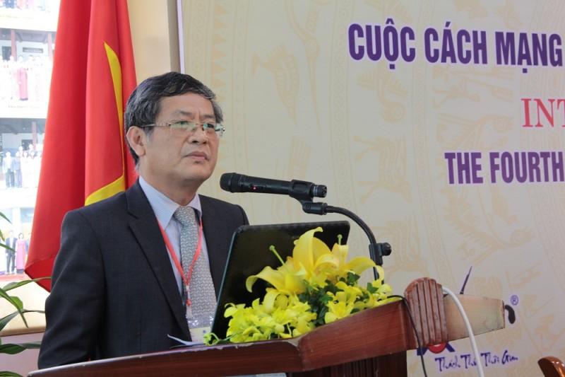 PGS.TS. Lưu Kiếm Thanh – Phó Giám đốc Học viện Hành chính Quốc gia phát biểu bế mạc Hội thảo