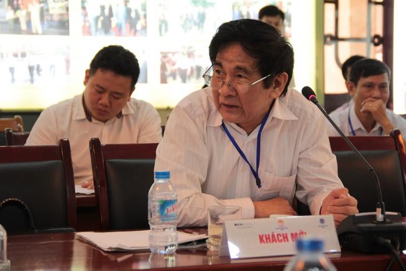 PGS.TS. Văn Tất Thu – nguyên Thứ trưởng Bộ Nội vụ trao đổi tại Hội thảo