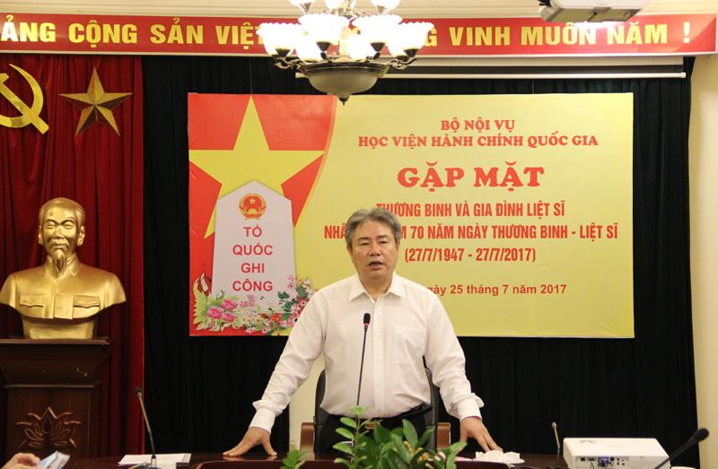 TS. Đặng Xuân Hoan - Giám đốc Học viện Hành chính Quốc gia phát biểu tại buổi gặp mặt
