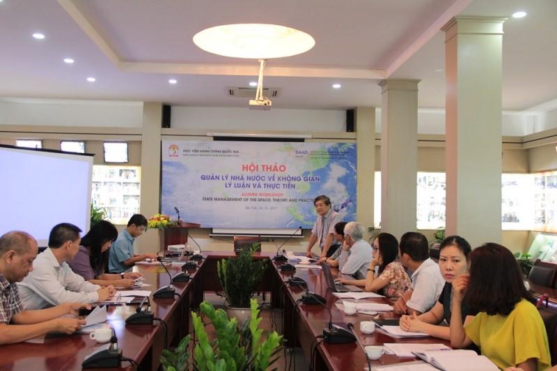 PGS.TS. Lưu Kiếm Thanh – Phó Giám đốc Học viện phát biểu đề dẫn Hội thảo