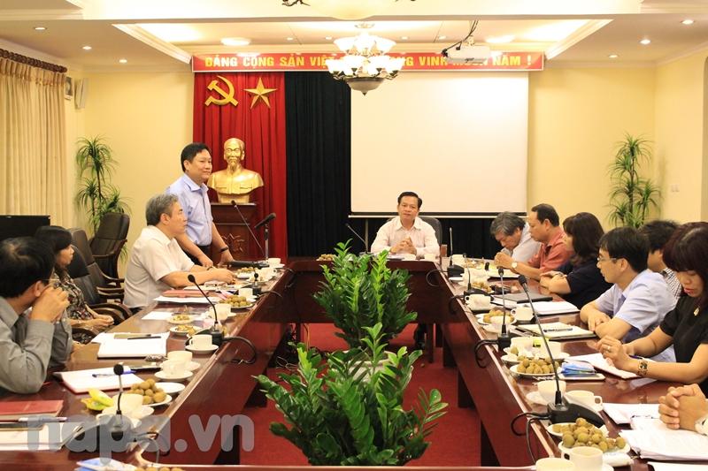 Đồng chí Lê Như Thanh phát biểu tại buổi gặp mặt