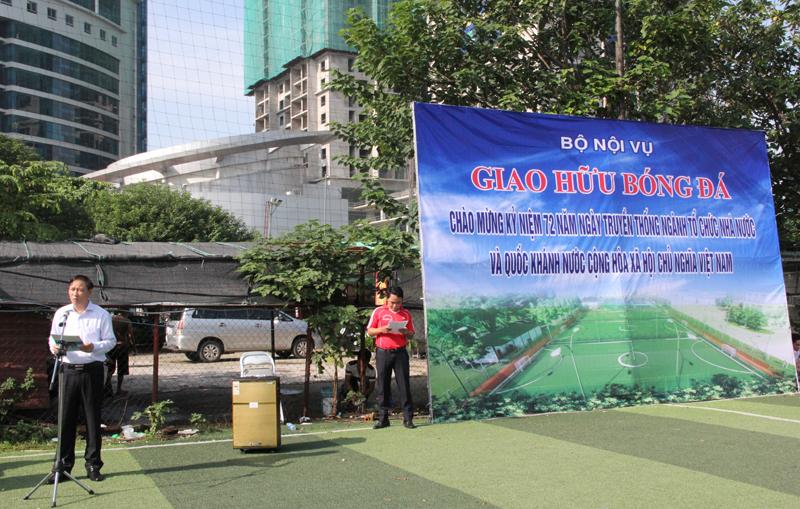 Đồng chí Thái Quang Toản - Chủ tịch Công đoàn Bộ, Vụ trưởng vụ Tổ chức - Biên chế phát biểu khai mạc