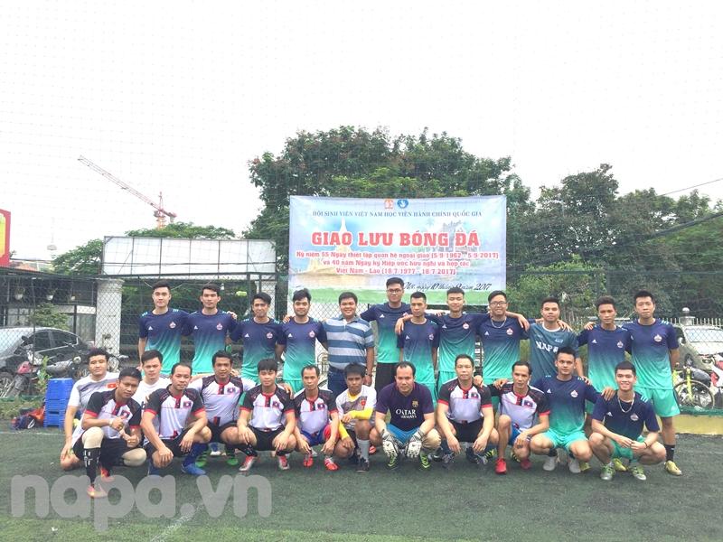 Đại diện Đoàn Thanh niên – Hội Sinh viên Học viện chụp ảnh lưu niệm cùng hai đội