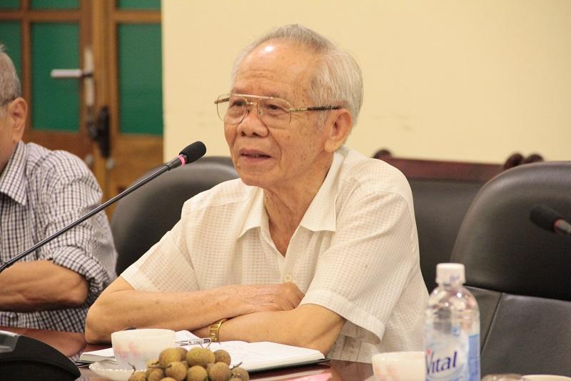 GS. TSKH. Vũ Huy Từ - nguyên Phó Giám đốc điều hành Học viện Hành chính Quốc gia, Chủ tịch Hội cựu giáo chức Học viện phát biểu tại buổi làm việc