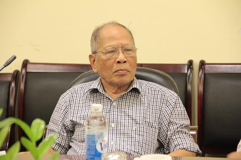 GS. TS. Lương Trọng Yêm - Phó Chủ tịch Hội cựu giáo chức Học viện phát biểu tại buổi làm việc