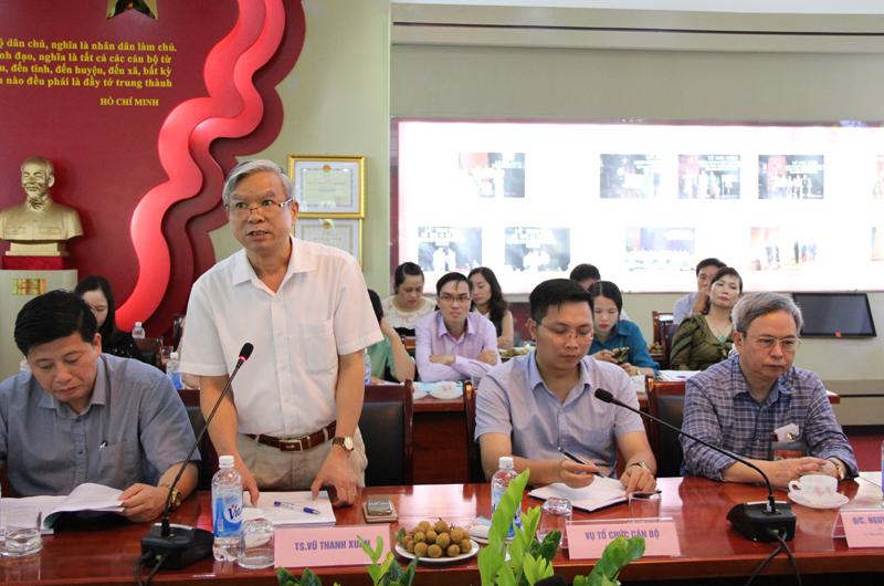 NGƯT.TS. Vũ Thanh Xuân - Hiệu trưởng Trường Đào tạo, bồi dưỡng cán bộ, công chức phát biểu tại Hội nghị