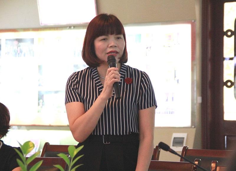 PGS.TS. Nguyễn Thị Hồng Hải – Trưởng Khoa Tổ chức và Quản lý nhân sự phát biểu đề dẫn Hội thảo