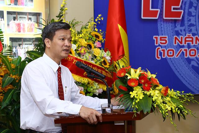 TS. Nguyễn Minh Lợi đại diện cho NCS, học viên cao học phát biểu cảm nghĩ tại buổi Lễ