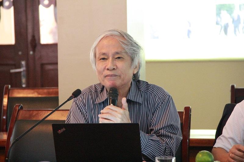 PGS.TS. Võ Kim Sơn – nguyên Trưởng Khoa Tổ chức và Quản lý nhân sự phát biểu tại Hội thảo