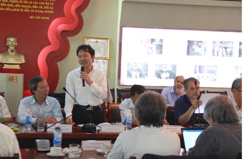 TS. Nguyễn Ngọc Vân – Vụ trưởng Vụ Đào tạo, bồi dưỡng cán bộ, công chức, Bộ Nội vụ phát biểu tại Hội thảo