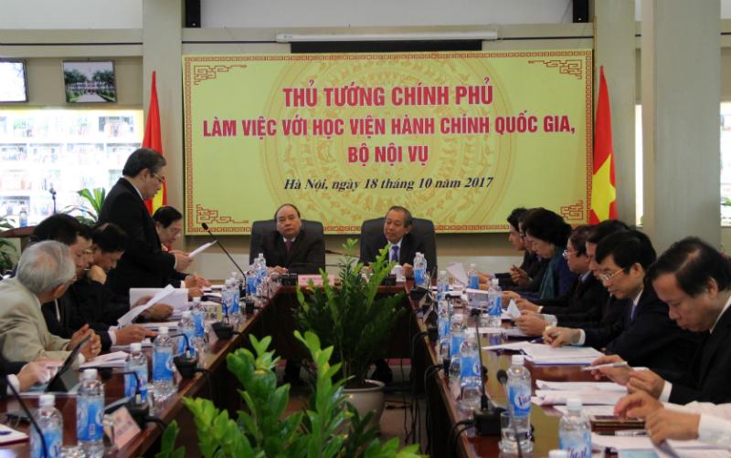 TS. Đặng Xuân Hoan, Giám đốc Học viện phát biểu ý kiến tại buổi làm việc