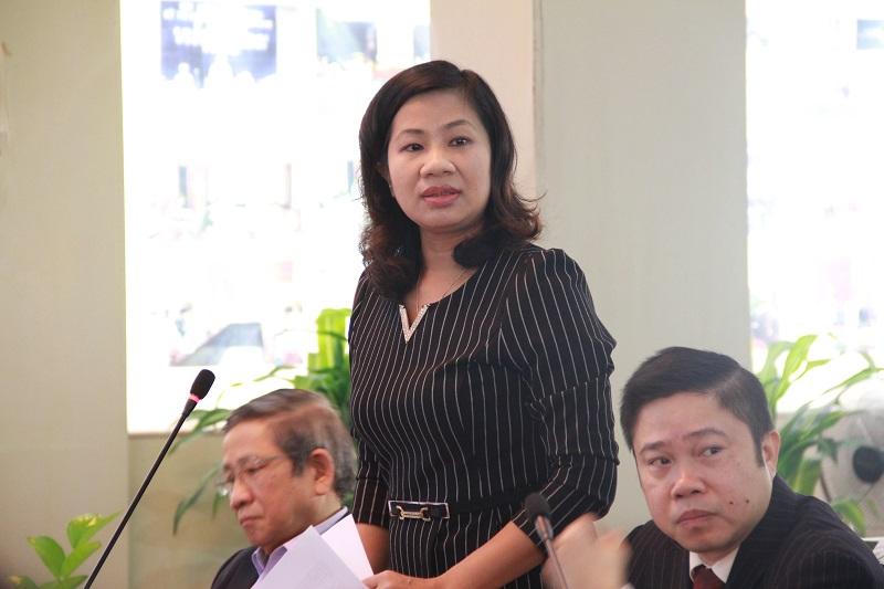 PGS.TS. Nguyễn Thị Thu Vân – Trưởng Khoa Văn bản và Công nghệ Hành chính phát biểu đề dẫn Tọa đàm