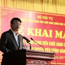 ThS. Bùi Huy Tùng – Chánh Văn phòng Học viện, ủy viên kiêm Thư ký Hội đồng thi công bố Quyết định của Bộ Nội vụ