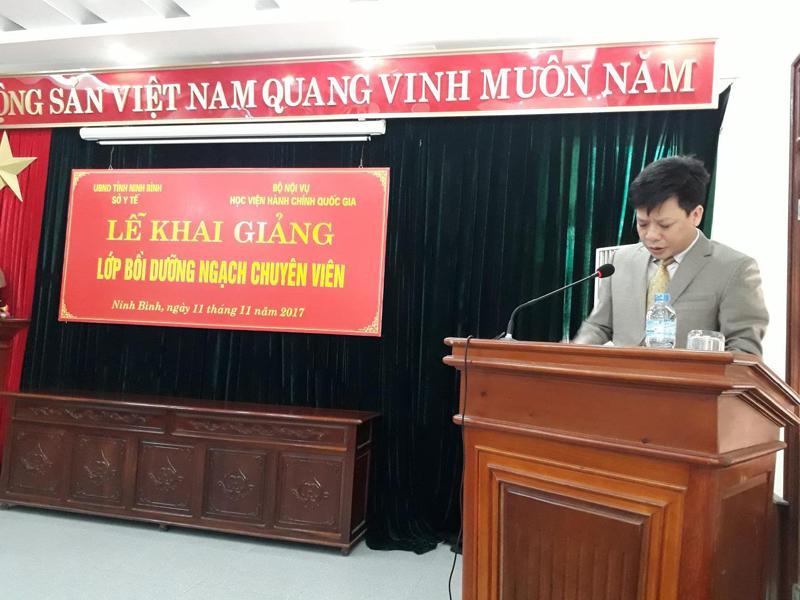 TS. Đặng Thành Lê - Phó Viện trưởng phụ trách Viện Nghiên cứu Khoa học Hành chính phát biểu tại Lễ khai giảng
