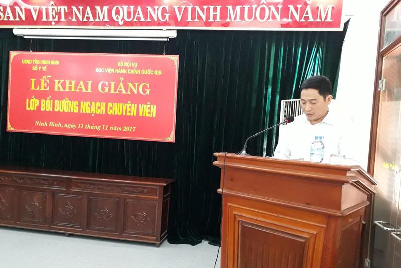 Học viên Nguyễn Hữu Quý - Phó Giám đốc Trung tâm Dân số - Kế hoạch hóa gia đình huyện Yên Khánh phát biểu tại buổi Lễ