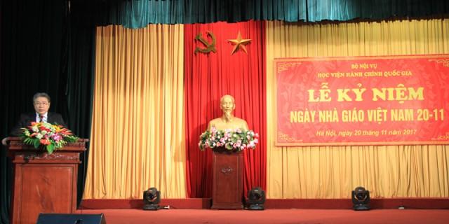 TS. Đặng Xuân Hoan - Giám đốc Học viện phát biểu chúc mừng tại buổi Lễ