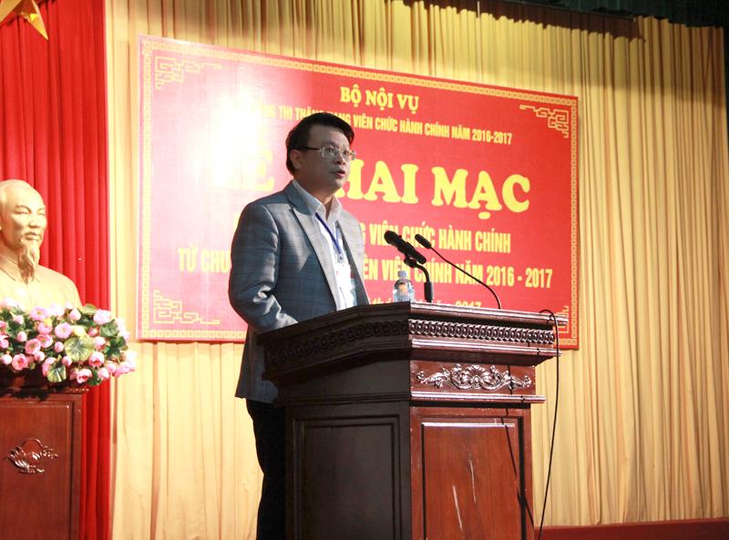 ThS. Bùi Huy Tùng - Chánh Văn phòng Học viện, ủy viên kiêm Thư ký Hội đồng thi công bố Quyết định của Bộ Nội vụ