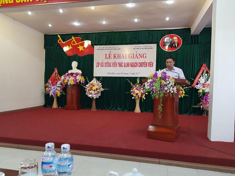 Ông Nguyễn Minh Hải - Giám đốc BHXH tỉnh Hòa Bình phát biểu tại buổi lễ