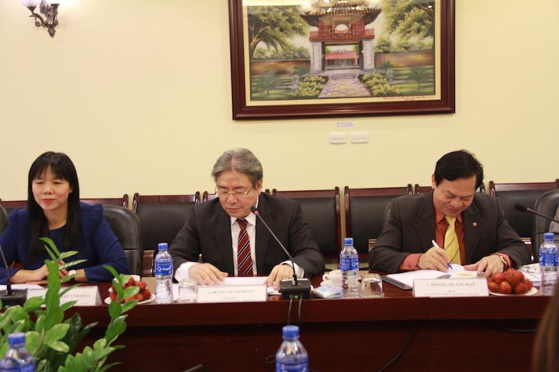 Giám đốc Học viện Đặng Xuân Hoan phát biểu chào mừng đoàn