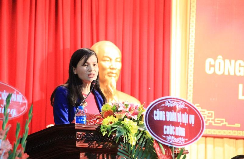 Đại diện Công đoàn cơ sở Học viện tại Hà Nội tham luận tại Đại hội