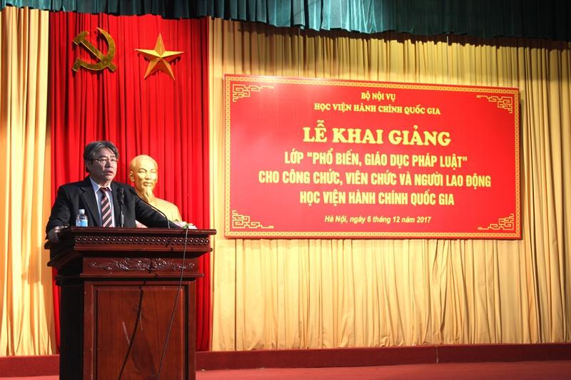 TS. Đặng Xuân Hoan phát biểu khai giảng