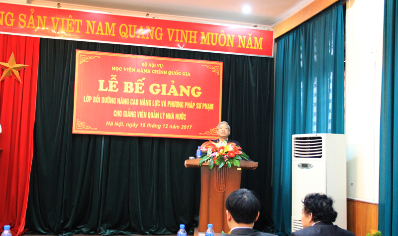 NGƯT.TS. Vũ Thanh Xuân - Phó Giám đốc Học viện phát biểu bế giảng khóa học