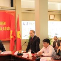 Đồng chí Nguyễn Quốc Khánh - Ủy viên Ban Cán sự Đảng Bộ, Vụ trưởng Vụ Tổ chức – Cán bộ Bộ Nội vụ công bố Quyết định bổ nhiệm