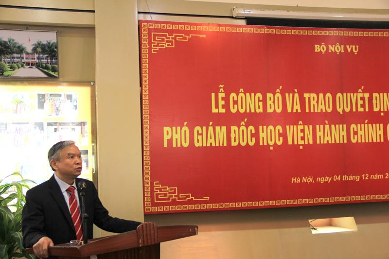 Đồng chí Vũ Thanh Xuân - Tân Phó Giám đốc Học viện phát biểu tại buổi lễ