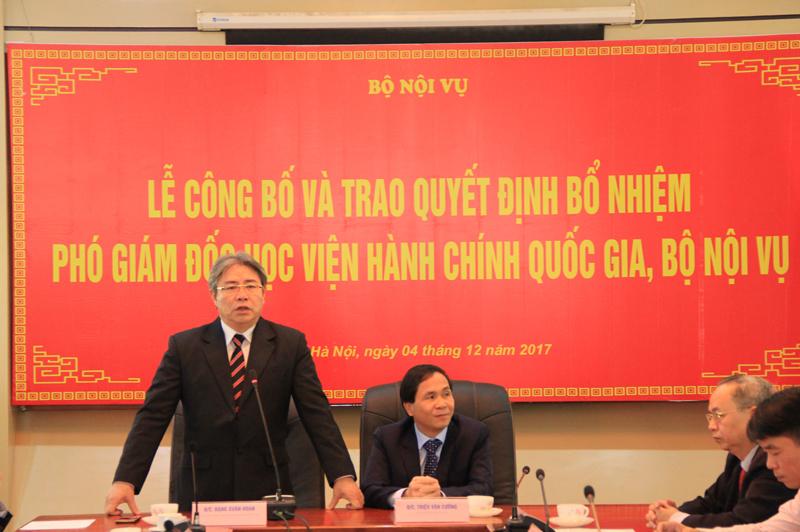 Giám đốc Học viện Đặng Xuân Hoan phát biểu chúc mừng tại buổi Lễ