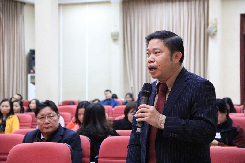 PGS.TS. Nguyễn Văn Hậu - Trưởng Ban Đào tạo đóng góp ý kiến vào Dự thảo Báo cáo hoạt động của Công đoàn Học viện tại Đại hội