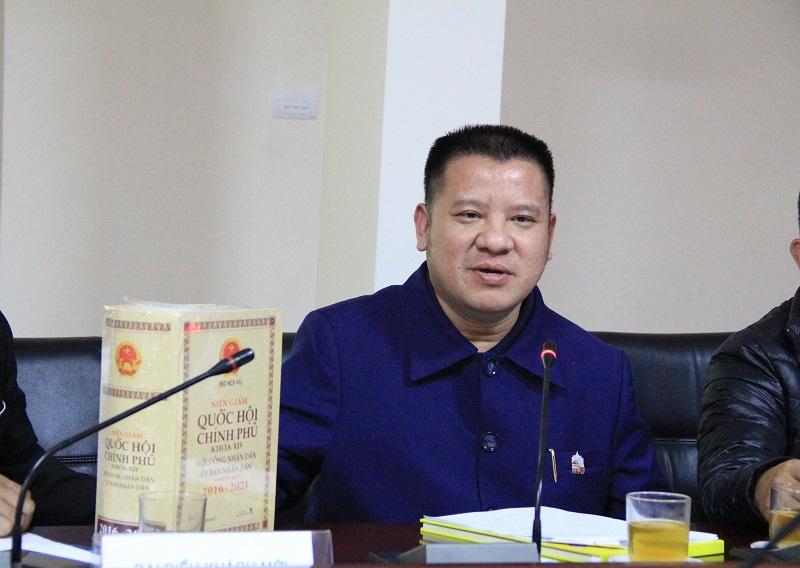 Ông Lê Trần Trường An – Phó Chủ tịch Thường trực Hội Kỷ lục gia Việt Nam giới thiệu về Đề án xây dựng Sách vàng của địa phương (cấp tỉnh, cấp huyện)