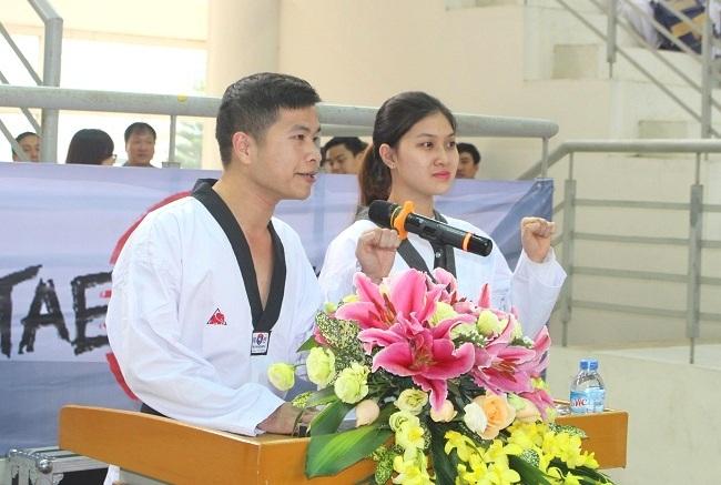 Đại diện các vận động viên đọc lời hứa