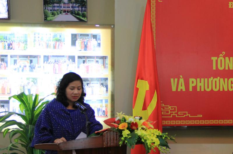 Đồng chí Nguyễn Thu Vân - Uỷ viên Ban Thường vụ, Chủ nhiệm UBKTĐU trình bày Báo cáo công tác kiểm tra, giám sát của Đảng ủy Học viện