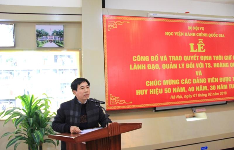 Đồng chí Nguyễn Tiến Hiệp công bố Quyết định và Thông báo của Giám đốc Học viện