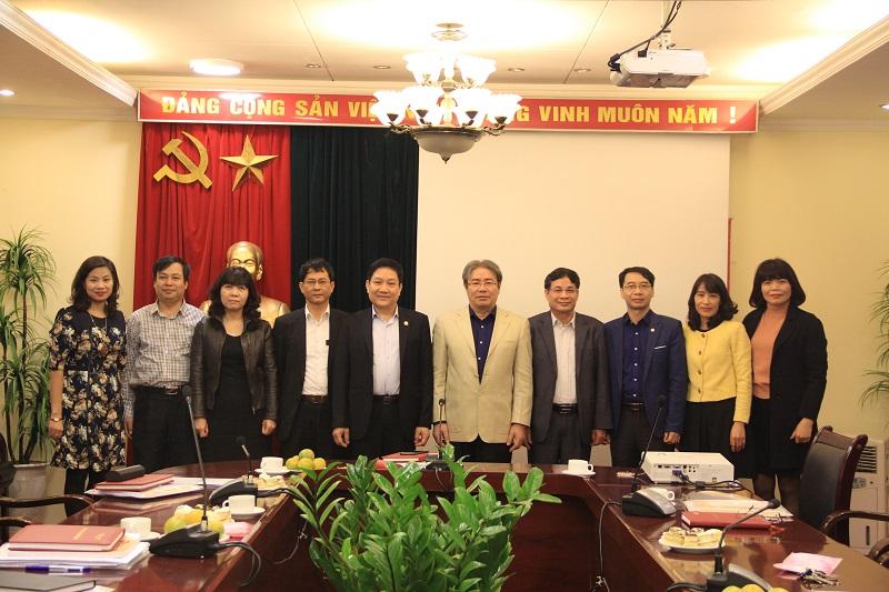 TS. Đặng Xuân Hoan – Giám đốc Học viện, Chủ tịch HĐBT cùng các ủy viên HĐBT