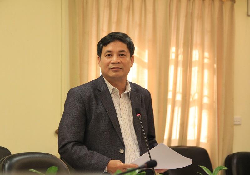 Đồng chí Nguyễn Quang Vinh – Phó Tổng Biên tập phụ trách Tạp chí, Thường trực HĐBT trình bày Báo cáo về công tác xuất bản năm 2017 của Tạp chí QLNN