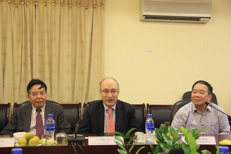 TS. Kambiz Ghawami - Chủ tịch WUS phát biểu tại buổi làm việc
