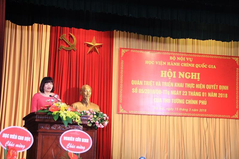 PGS.TS. Nguyễn Thị Hồng Hải – Trưởng Khoa Tổ chức và Quản lý nhân sự phát biểu tại Hội nghị