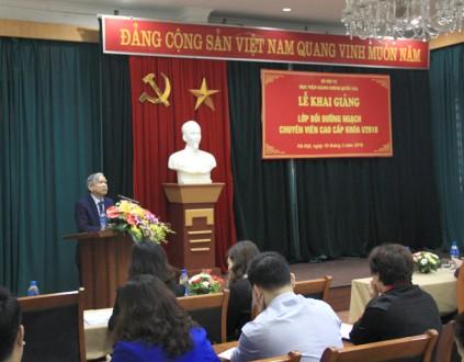 NGƯT. TS. Vũ Thanh Xuân - Phó Giám đốc Học viện phát biểu khai giảng khóa học