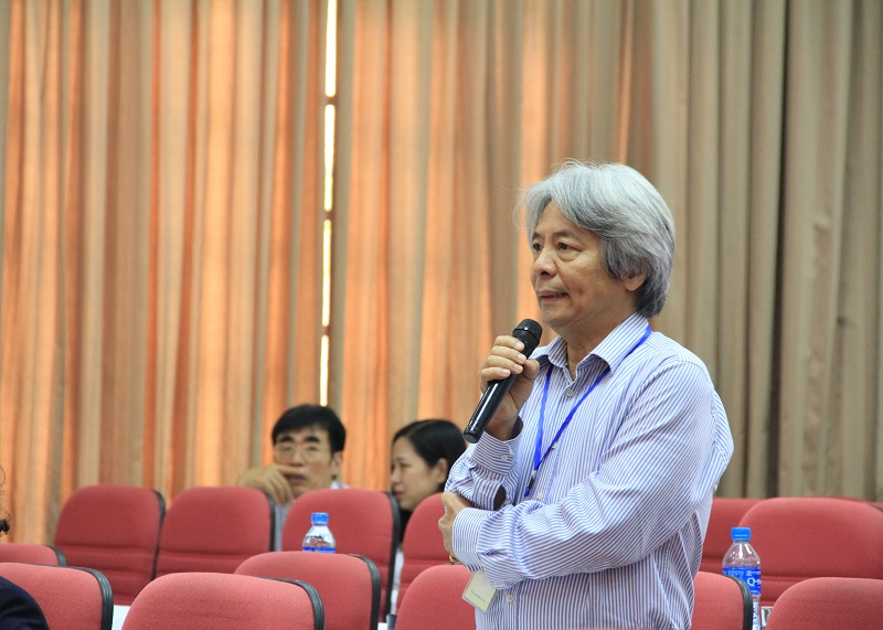 GS.TS. Võ Khánh Vinh – nguyên Giám đốc Học viện Khoa học xã hội phát biểu tại Hội thảo